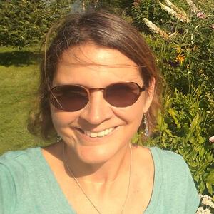 Maritza Martinez in garden